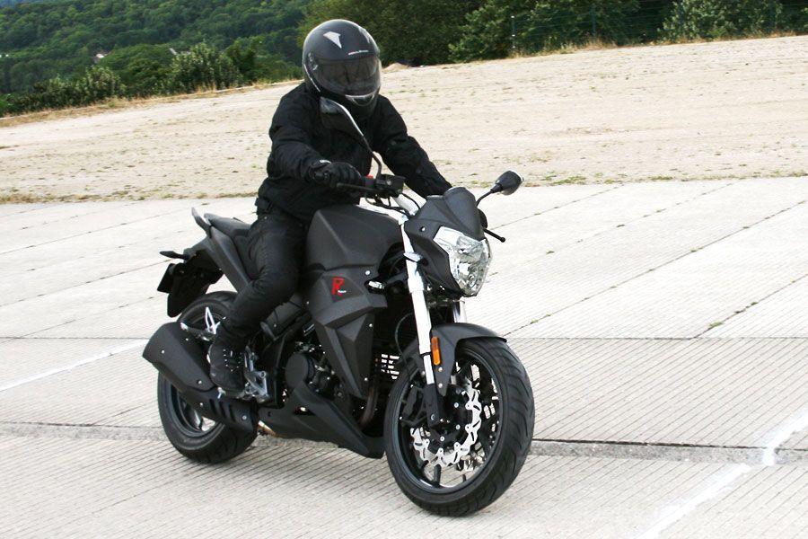 moto roadster magpower r stunt 125cm3. Black Bedroom Furniture Sets. Home Design Ideas