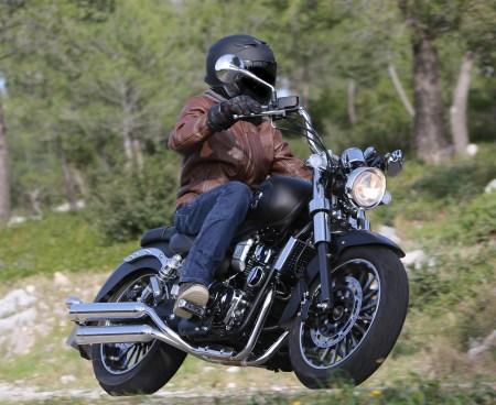 Moto Magpower Legenders 125 cm³ en situation